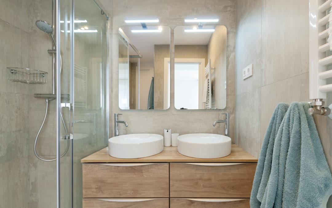 Reforma tu baño y… ¡haz que brille con luz propia!